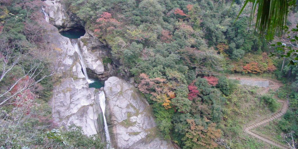 轟の滝遠景